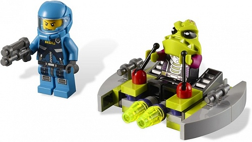 Lego Alien Conquest 7049 Alien Striker